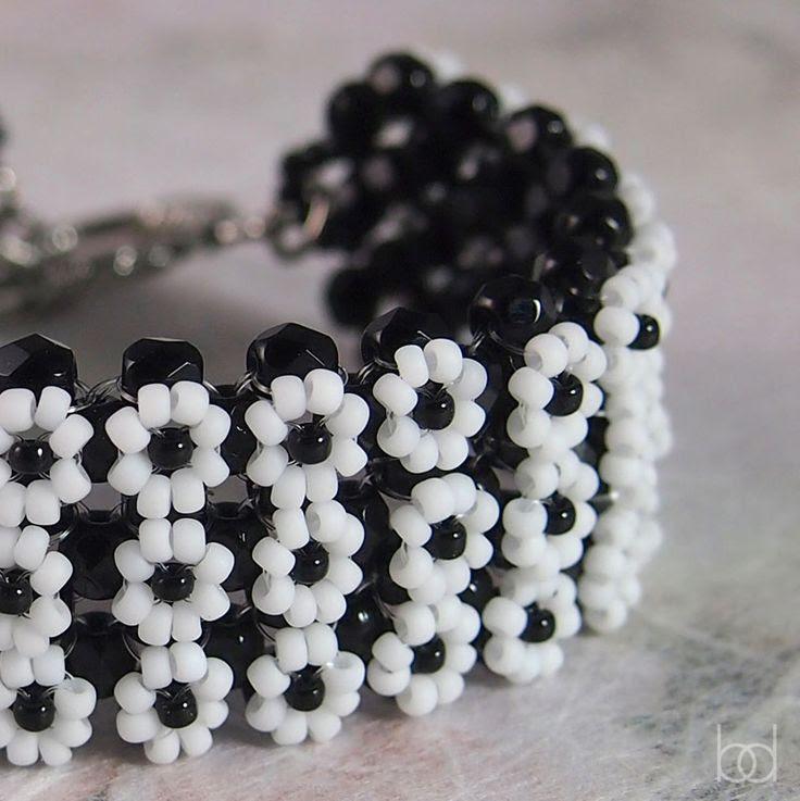 Daisy bracelet