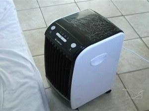 Umidificador de ar da sala do preso (Foto: Reprodução/TV Mirante)
