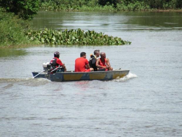 Corpo de Bombeiros encontrou corpos dos jovens que se afogaram (Foto: Diogo Gomes/Blog Sigi Vilares)