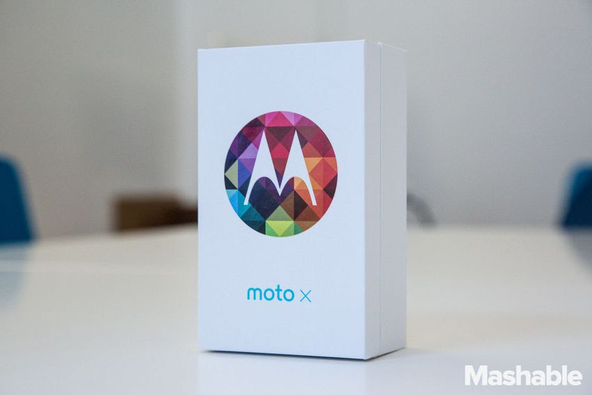 Motorola-flagship-phone-unboxing-1-of-18