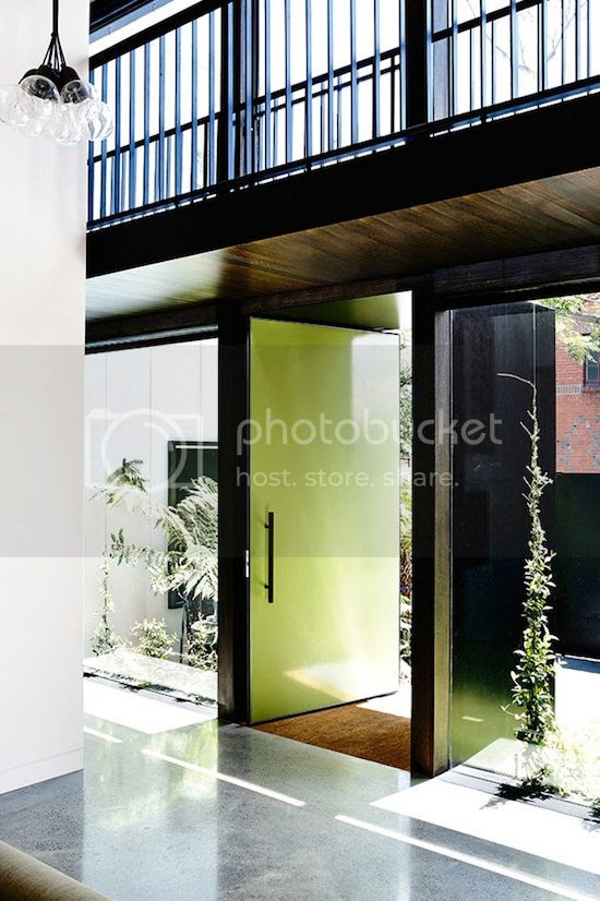 ETC INSPIRATION BLOG LIGHT MODERN MELBOURNE AUSTRALIA HOME MID CENTURY MODERN FRONT ENTRANCE LIME GREEN BRIGHT FRONT DOOR PALM PLANTS BLACK RAILING WALKWAY 4 photo ETCINSPIRATIONBLOGLIGHTMODERNMELBOURNEAUSTRALIAHOME4.jpg