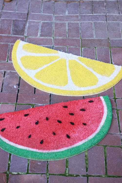 Weekend Project: Fruit Welcome Mats - Paperblog