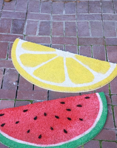 Redqueensynthesizers fruit shaped kitchen rugs for Kitchen rugs with fruit design