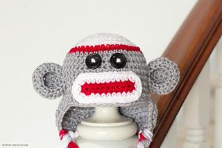 Sock_monkey_baby_hat_crochet_pattern_3_small2