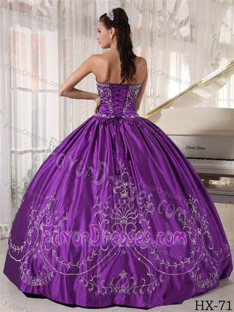 Wholesale Price Purple Strapless Embroidery Quince Dresses