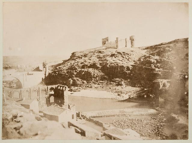 Artificio de Juanelo y Castillo de San Servando en 1854. Fotografía de Alphonse De Launay © Colección de Jaime Moraleda