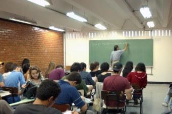 alunos aula enem