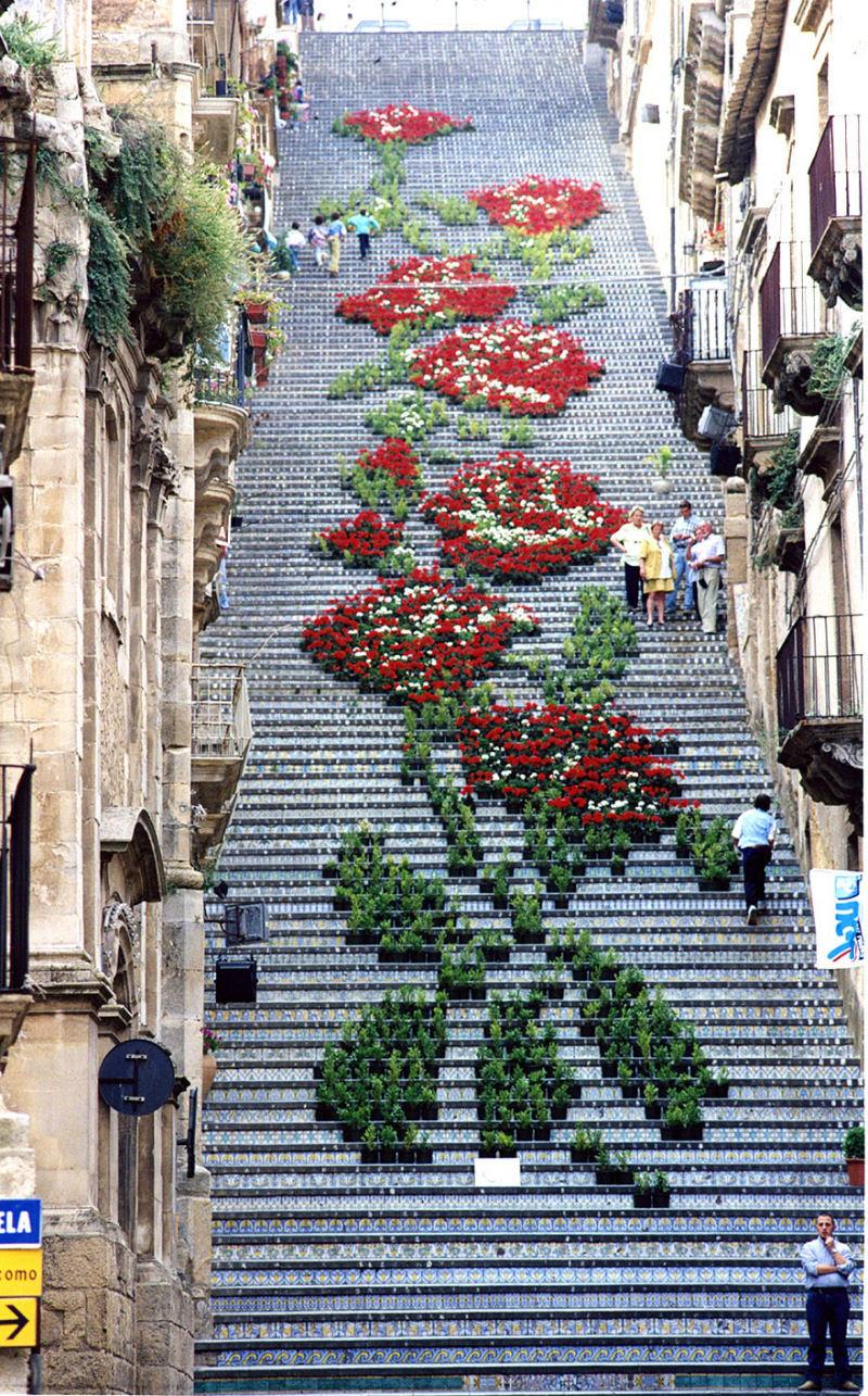 17 escadarias com as mais belas decorações urbanas do mundo 08