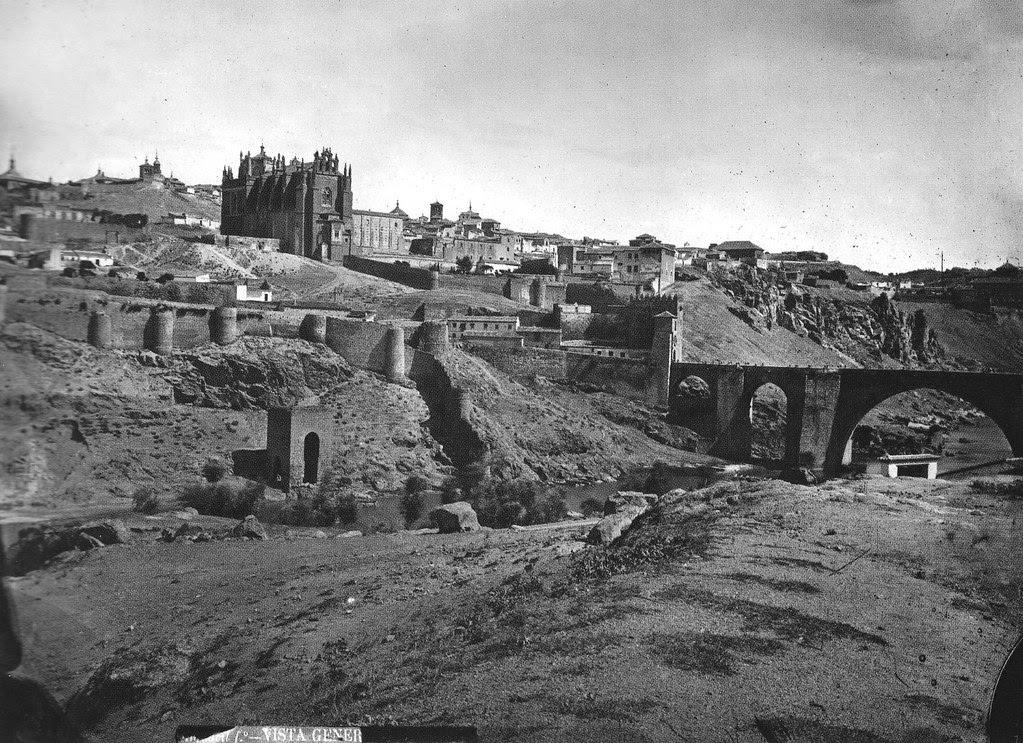 Baño de la Cava y Puente de San Martín en el siglo XIX. Foto Casiano Alguacil