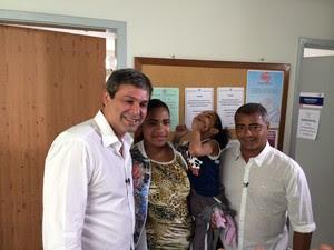 Lindberg e Romário visitam centro social de crianças com deficiência (Foto: Henrique Coelho/G1)