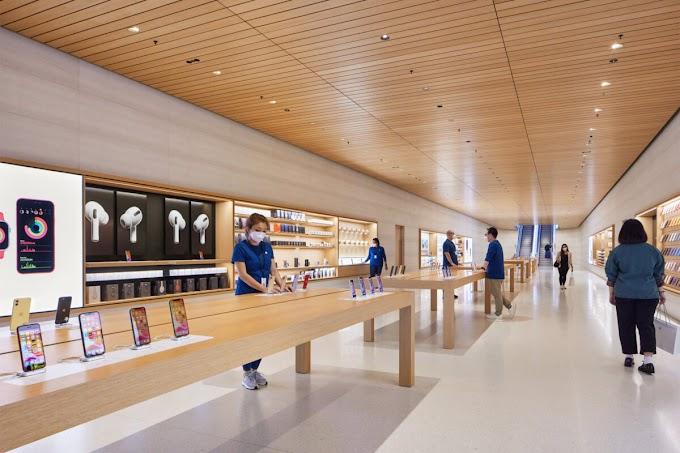 Apple показала интерьер плавучего магазина в Сингапуре