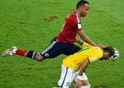 Para Ronaldo, Zuñiga quis agredir Neymar (AFP e Reuters)