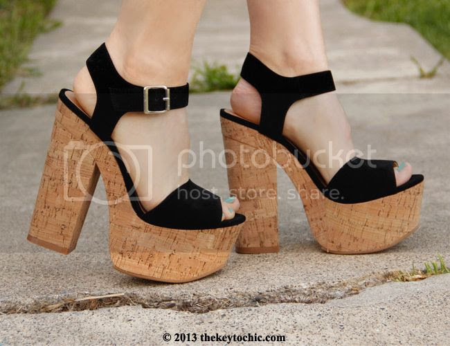 Luichiny Ver Mont black platform heels sandals