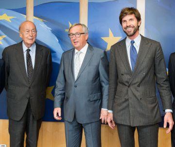 De izquierda a derecha, Valéry Giscard d'Estaing, Jean-Claude Juncker y Michelangelo Baracchi Bonvicini.