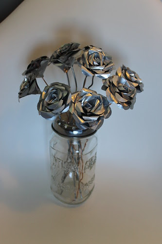 Pop can roses