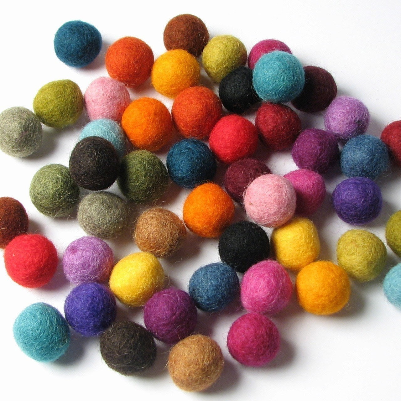 2CM Felt Balls/50-Piece - Multi Mix