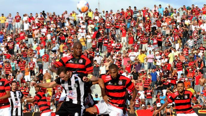 amigão campinense x treze (Foto: Leonardo Silva / Jornal da Paraíba)