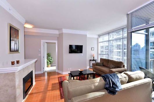 Wave 5 - Spacious 1 Bedroom Condo in the Heart of Downtown Victoria