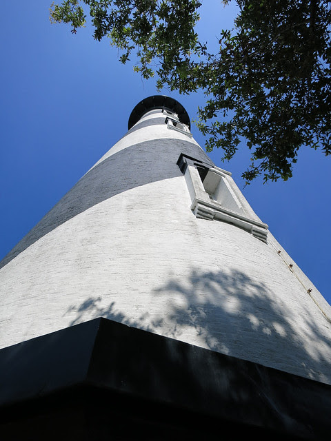 IMG_1314-2013-06-15-St-Augustine-Lighthouse-view-up-from-base
