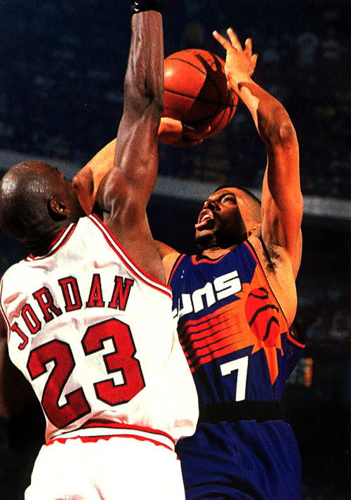 Michael Jordan defends Kevin Johnson