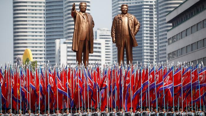 Nordkorea Militärparade in Pjöngjang (Reuters/D. Sagolj)