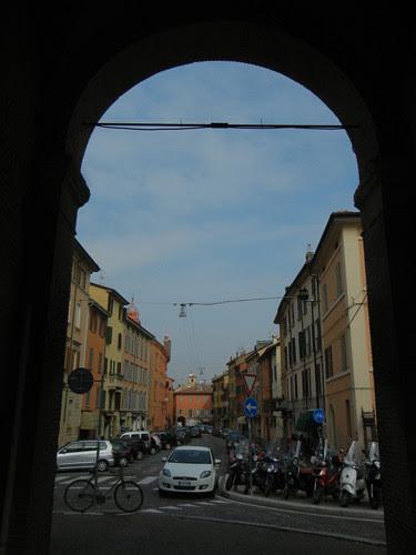 DSCN4625 _ Old city gate Porta Castigione, Bologna, 18 October