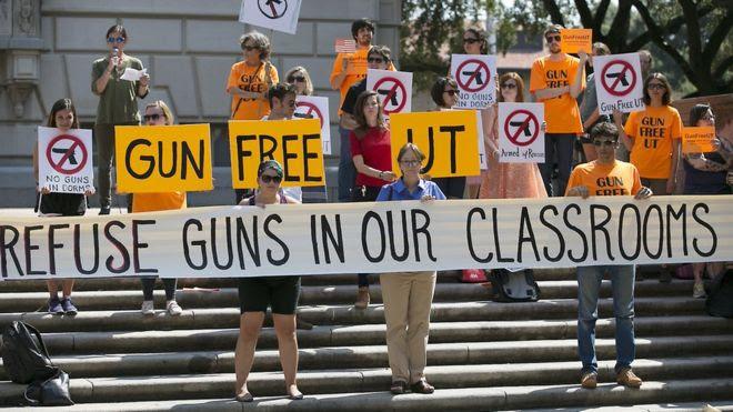 us-allow-gun-in-college-1
