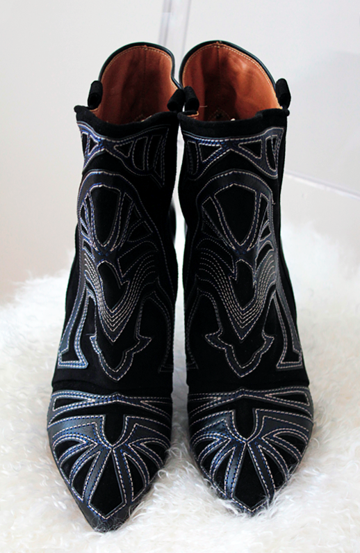 LE FASHION BLOG NEW IN ISABEL MARANT FALL 2012 BERRY EMBROIDERED SUEDE LEATHER WEDGE HEEL WESTERN INSPIRED COWBOY GIRL ANKLE BOOTS CUT OUT APPLIQUE 2