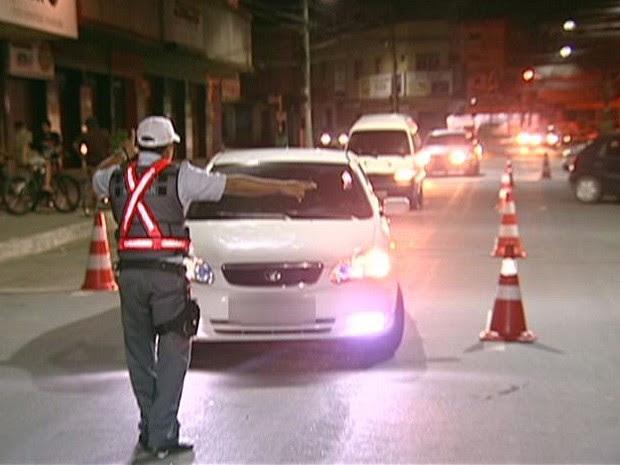 De 520 motoristas abordados nas blitze da Grande Vitória, apenas um não bebeu (Foto: Reprodução/ TV Gazeta)