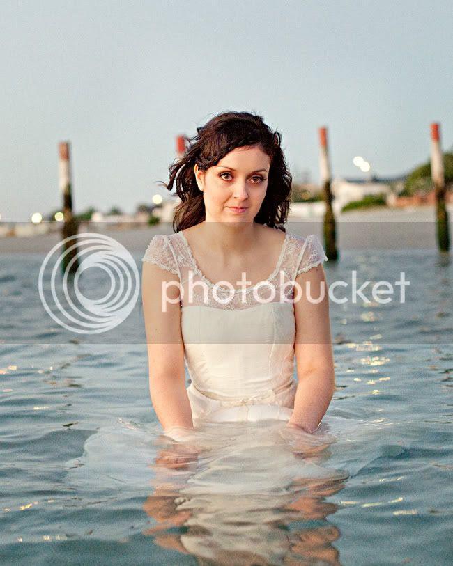 http://i892.photobucket.com/albums/ac125/lovemademedoit/ML_beachtrashthedress_011.jpg?t=1300698374