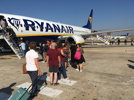 Ryanair cuts check-in window from four days to 48 hours, unless passengers pay to reserve seats | The Independent