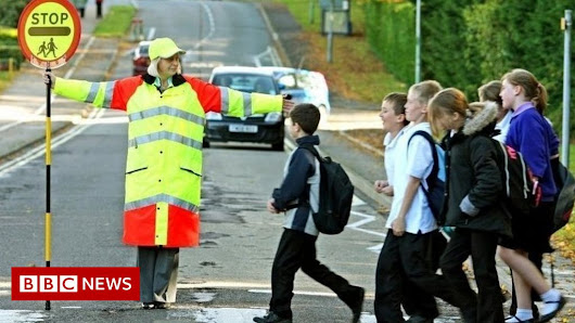 Safety fear over fewer lollipop people