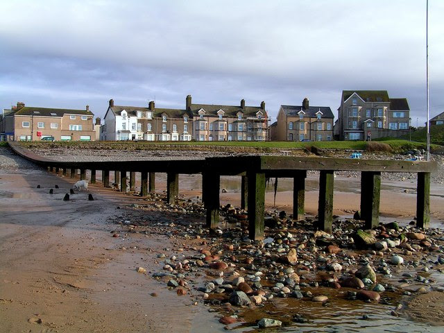File:Seascale Jetty - geograph.org.uk - 286187.jpg