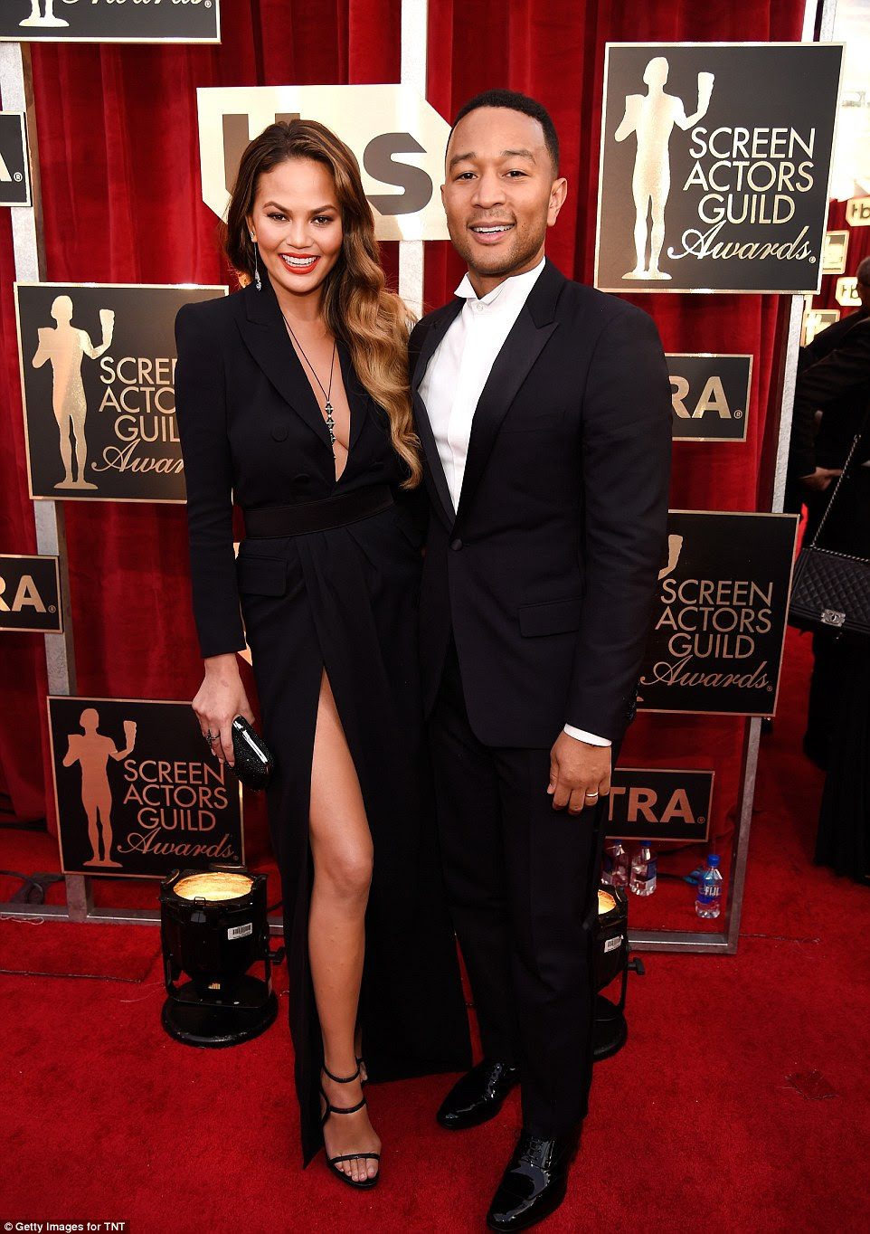 Star couple: A estrela do Sports Illustrated foi acompanhada pelo marido John Legend, vencedor do Grammy