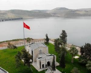 Τουρκία: Κέντρο… επιχειρήσεων ο τάφος Σουλεϊμάν στη Συρία;