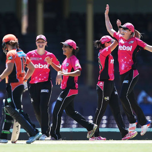 Cricket Australia makes new pay offer with 'gender equity at its heart'
