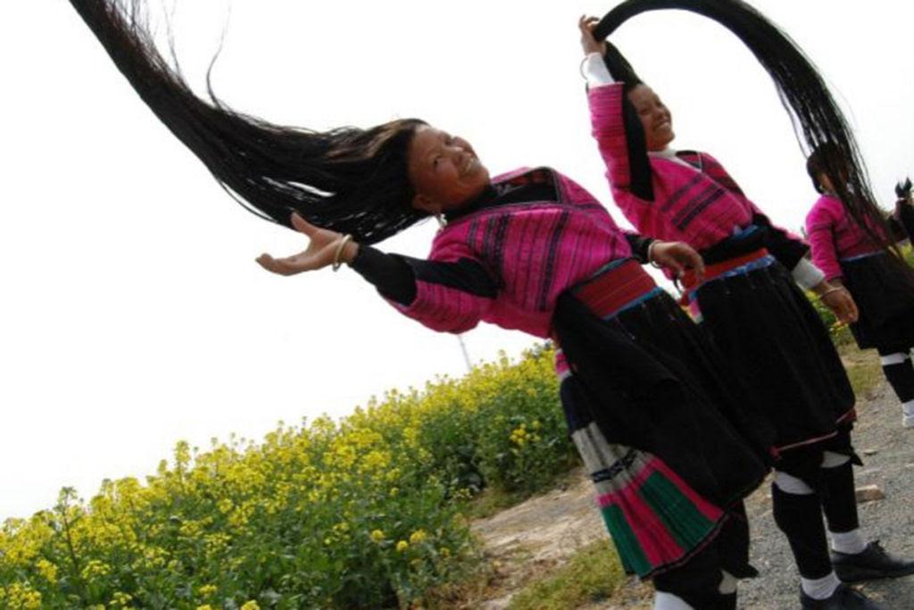 """Nesta aldeia vivem as """"Rapunzels"""" com o cabelo mais longo do mundo e guardam um curioso segredo 06"""