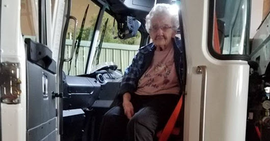 Garbage collector pulls 93-year-old in truck to save her from wildfire