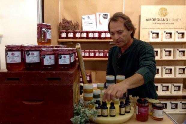 Το βραβευμένο βιολογικό μέλι «Αμοργιανό» του Παναγιώτη Μαρούλη