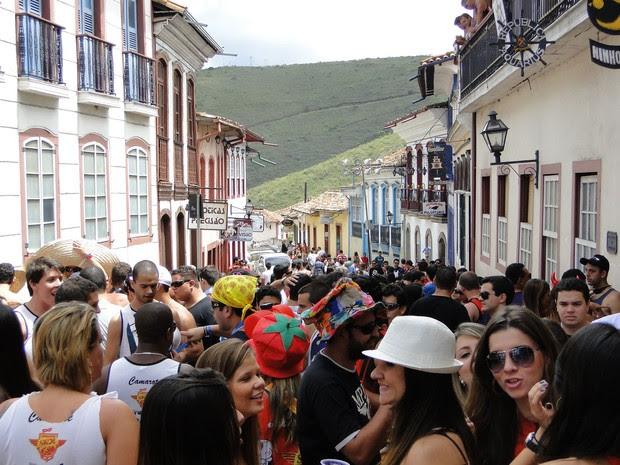 Ladeiras de Ouro Preto são tomadas por turistas de todo o Brasil (Foto: Raquel Freitas/G1)