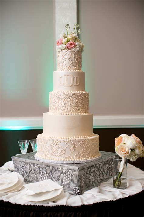 11 Fantastic Wedding Cakes from Sugar Bee Sweets Bakery
