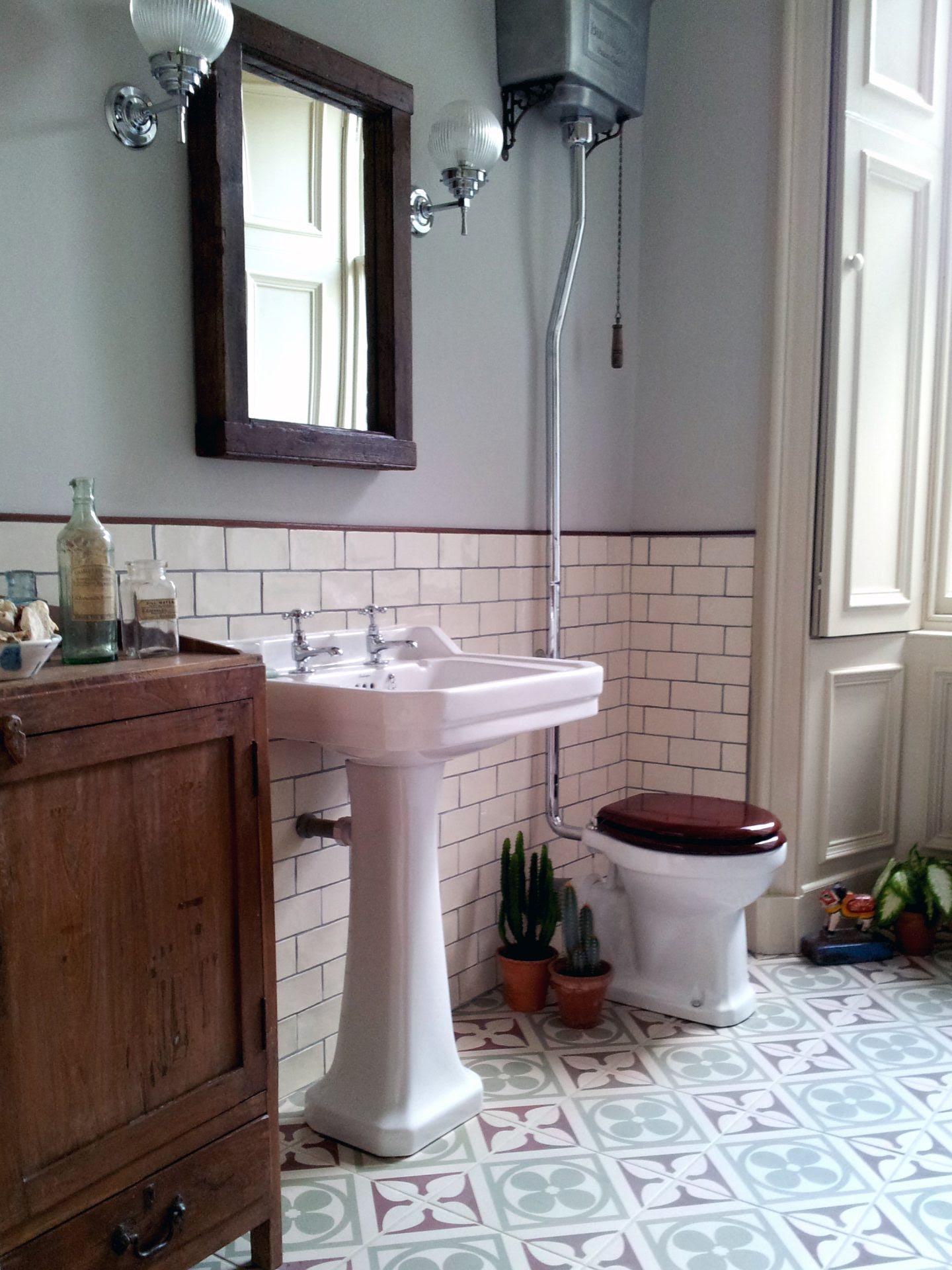 Vintage Bathrooms: Scaramanga's Redesign Do's & Don'ts ...