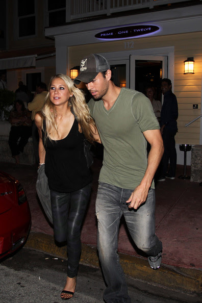 All The Girls Standing In The Line For The Bathroom: Lady Gaga Ombro: Anna Kournikova Enrique