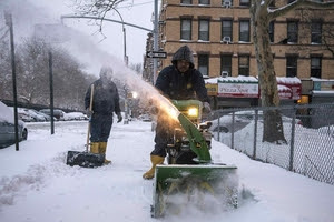 Zăpadă la New York (Foto: Reuters/Stephanie Keith)