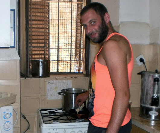 "Israeli soldiers have depraved ""fun"" making ""Rachel Corrie pancakes"" 