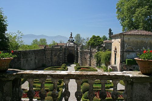 Porcari Fratina Villa Torrigiani   #TuscanyAgriturismoGiratola