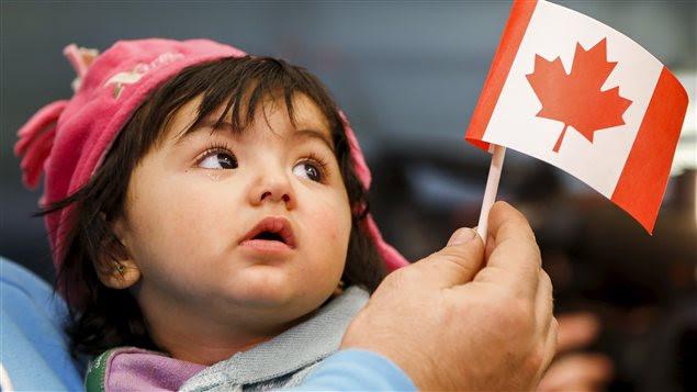 Une jeune réfugiée syrienne à son arrivée au Canada, le 18 décembre dernier.