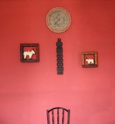 Appendere lettere forex al muro