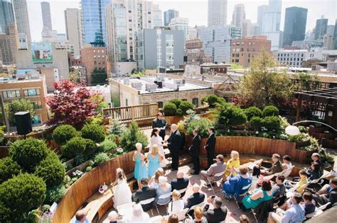 Lightology rooftop wedding in Chicago. Beautiful Chicago