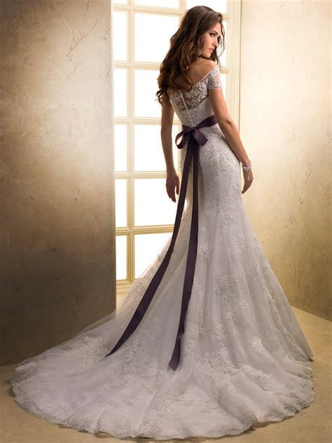 Top 10 2013 Wedding Dress style ? Off Shoulder 2